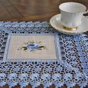 NEW Doily BLUE LACE ROSE Linen-look Table Mat